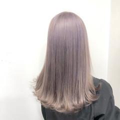 モード ロング ラベンダーアッシュ ハイトーンカラー ヘアスタイルや髪型の写真・画像