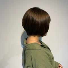 ミニボブ グレージュ ボブ ナチュラル ヘアスタイルや髪型の写真・画像