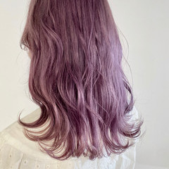 ラベンダー セミロング ピンク ナチュラル ヘアスタイルや髪型の写真・画像