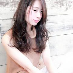 暗髪 パーマ ゆるふわ ストレート ヘアスタイルや髪型の写真・画像