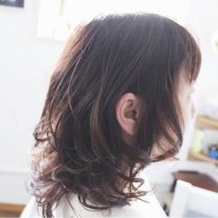 セミロング ナチュラル ラベンダーアッシュ 透明感 ヘアスタイルや髪型の写真・画像