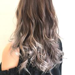 ストリート ミルクティーグレージュ 透明感カラー ロング ヘアスタイルや髪型の写真・画像