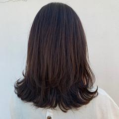 ロング バイオレット 外ハネ ベージュ ヘアスタイルや髪型の写真・画像