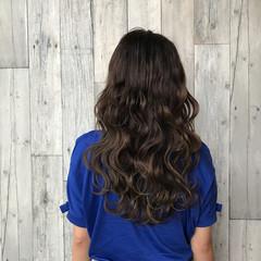 上品 女子会 波ウェーブ セミロング ヘアスタイルや髪型の写真・画像