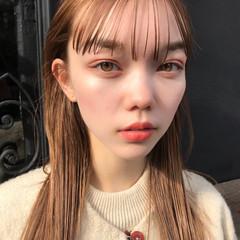 ロング ベージュ アンニュイほつれヘア フェミニン ヘアスタイルや髪型の写真・画像