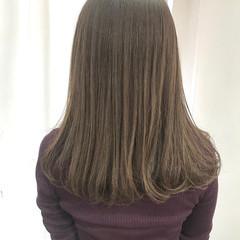 セミロング ヘアカラー ナチュラル ミルクティーベージュ ヘアスタイルや髪型の写真・画像