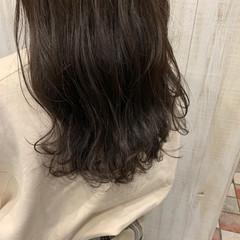 アッシュグレー アッシュ アッシュグレージュ グレージュ ヘアスタイルや髪型の写真・画像
