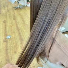 ナチュラル ロング ツヤツヤ 透明感カラー ヘアスタイルや髪型の写真・画像