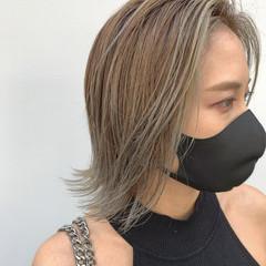 アッシュベージュ 前髪 モード グレージュ ヘアスタイルや髪型の写真・画像
