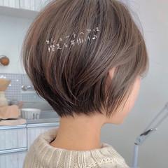 ナチュラル デート ショートヘア 切りっぱなしボブ ヘアスタイルや髪型の写真・画像