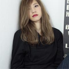 アッシュ ダブルカラー ハイライト 外国人風 ヘアスタイルや髪型の写真・画像