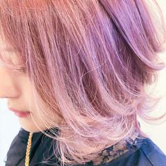 フェミニン ピンクベージュ ボブ 切りっぱなしボブ ヘアスタイルや髪型の写真・画像
