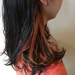ストリート アプリコットオレンジ インナーカラー オレンジカラー ヘアスタイルや髪型の写真・画像