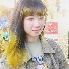 インナーカラー シルバーグレー ストリート グラデーションカラー ヘアスタイルや髪型の写真・画像