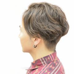 外国人風 メンズ ナチュラル パーマ ヘアスタイルや髪型の写真・画像