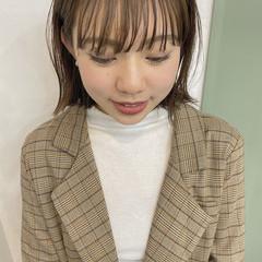 ミルクティーベージュ ミニボブ くすみカラー ブラウンベージュ ヘアスタイルや髪型の写真・画像