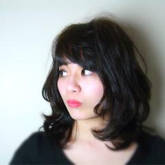 大人女子 ナチュラル 伸ばしかけ パーマ ヘアスタイルや髪型の写真・画像