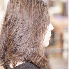 スウィングレイヤー レイヤーボブ セミロング ベージュ ヘアスタイルや髪型の写真・画像