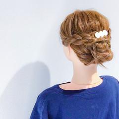 簡単ヘアアレンジ デート セミロング 上品 ヘアスタイルや髪型の写真・画像