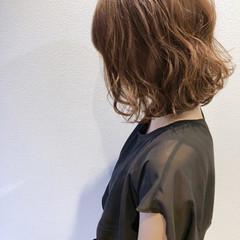 無造作パーマ ナチュラル ゆるふわパーマ ボブ ヘアスタイルや髪型の写真・画像