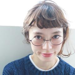 ナチュラル 簡単ヘアアレンジ 前髪パーマ ミディアム ヘアスタイルや髪型の写真・画像