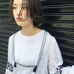外国人風 ナチュラル アッシュ 暗髪 ヘアスタイルや髪型の写真・画像