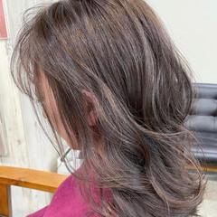 大人ハイライト グレージュ ミディアム ハイライト ヘアスタイルや髪型の写真・画像