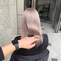 ミルクティーベージュ ツヤ髪 ベージュ ホワイトベージュ ヘアスタイルや髪型の写真・画像
