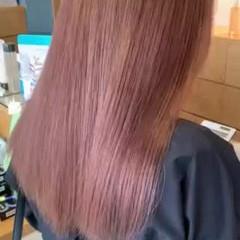 ミルクティーベージュ ミルクティーブラウン ダブルカラー フェミニン ヘアスタイルや髪型の写真・画像