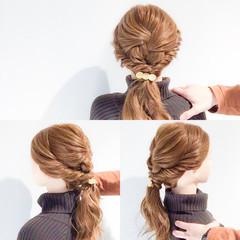 くるりんぱ 結婚式 ハーフアップ フェミニン ヘアスタイルや髪型の写真・画像
