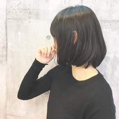 ナチュラル 外ハネ ショートボブ 大人女子 ヘアスタイルや髪型の写真・画像