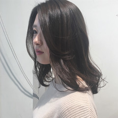 愛され ウェーブ フェミニン アンニュイ ヘアスタイルや髪型の写真・画像