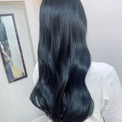 ナチュラル ロング 大人かわいい ブルーブラック ヘアスタイルや髪型の写真・画像