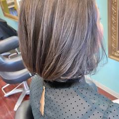 グレージュ グレーアッシュ ラベンダーグレージュ ボブ ヘアスタイルや髪型の写真・画像