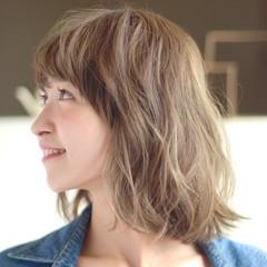 モテ髪 ハイトーンカラー ゆるウェーブ パーマ ヘアスタイルや髪型の写真・画像