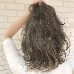 ナチュラル 上品 ミディアム ブリーチ ヘアスタイルや髪型の写真・画像