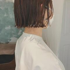前髪あり 切りっぱなしボブ ボブ フェミニン ヘアスタイルや髪型の写真・画像