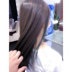 ロング インナーカラー グリーン ナチュラル ヘアスタイルや髪型の写真・画像