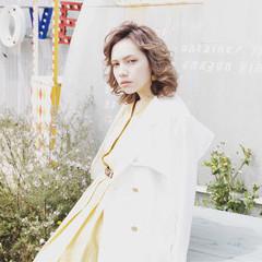 パーマ ミディアム 色気 ナチュラル ヘアスタイルや髪型の写真・画像