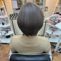 ブリーチカラー シルバーグレー ショートヘア シルバー ヘアスタイルや髪型の写真・画像