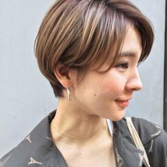 アウトドア センターパート ヘアアレンジ 前髪あり ヘアスタイルや髪型の写真・画像
