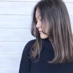 秋 透明感 ミディアム ストリート ヘアスタイルや髪型の写真・画像
