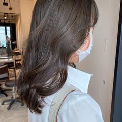 グレージュ アッシュベージュ アッシュグレージュ ナチュラル ヘアスタイルや髪型の写真・画像