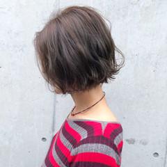 大人ハイライト ナチュラル アンニュイほつれヘア オフィス ヘアスタイルや髪型の写真・画像