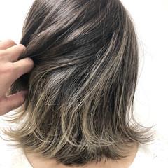 アッシュグレージュ ナチュラル ブリーチオンカラー ボブ ヘアスタイルや髪型の写真・画像