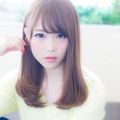 グラデーションカラー セミロング ゆるふわ 前髪あり ヘアスタイルや髪型の写真・画像