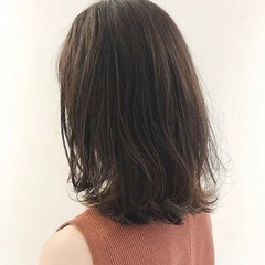 大人ヘアスタイル ナチュラル ミディアム 透明感カラー ヘアスタイルや髪型の写真・画像