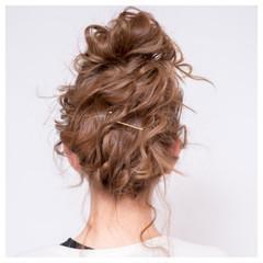 波ウェーブ ヘアアレンジ お団子 メッシーバン ヘアスタイルや髪型の写真・画像