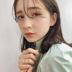 フェミニン ミディアム 濡れ髪スタイル 外国人風フェミニン ヘアスタイルや髪型の写真・画像