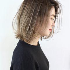 ストリート ハイライト グラデーションカラー 外ハネ ヘアスタイルや髪型の写真・画像